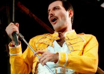 Mercury en pleno concierto